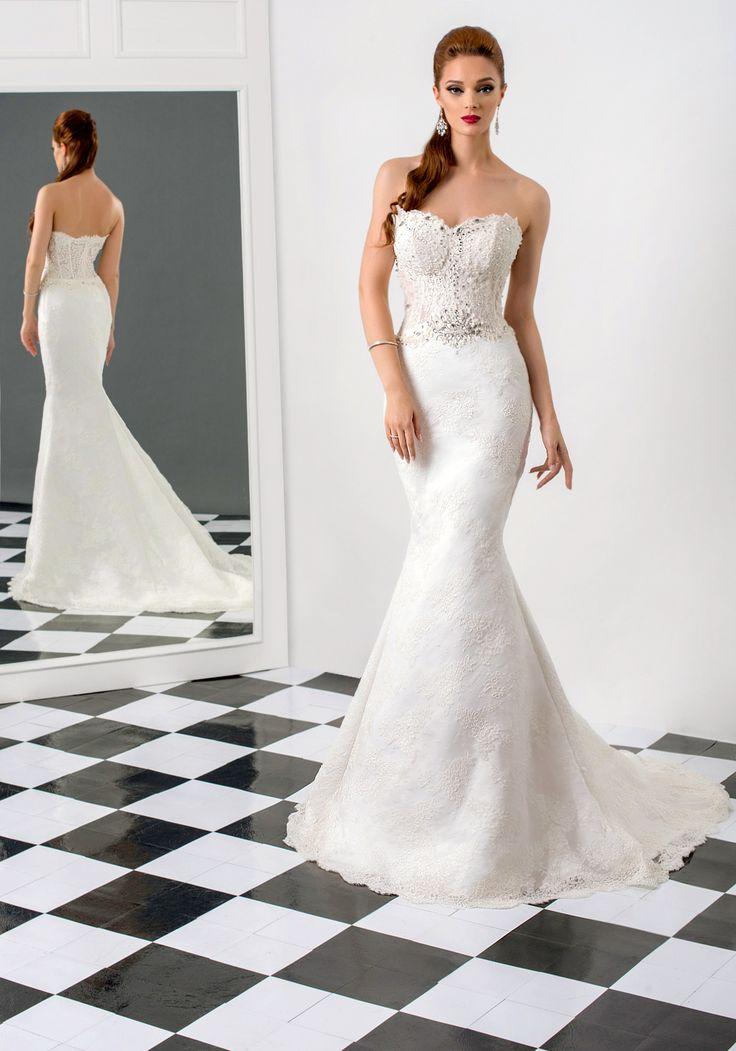Tina wedding dress, Bien Savvy 2015 collection  Ask for more details at client@biensavvy.eu