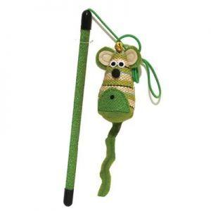 """Jolly moggy Kattenhengel Mr Mousse 60 cm  Description: Jolly Moggy Natural Wild Kattenhengel - Mr Mouse Deze kleurrijke mr Mousemet zijn pluizige staart aan het uiteinde van de hengel is natuurlijk razend interessant voor jouw kat. Speel samen en daag uit met deze leuke kattenhengel. De Catnip aan het einde van de hengel maakt het speelgoed natuurlijk nog interessanter. lengte: 60 cmKleur: Groen""""""""  Price: 4.25  Meer informatie  #huisdier"""