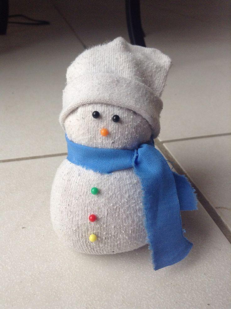 Une petit bonhomme de neige fait à la main !! ⛄️