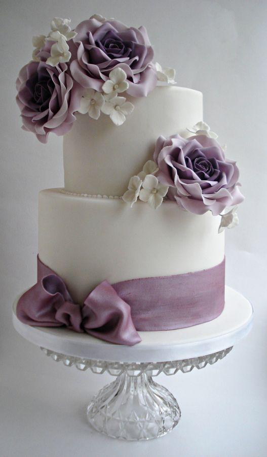 White and purple wedding cake idea