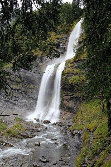 Ballade des cascades - Sixt fer à chevalhttp://www.gpps.fr/Guides-du-Patrimoine-des-Pays-de-Savoie/Pages/Site/Visites-en-Savoie-Mont-Blanc/Faucigny/Vallee-du-Giffre/Sixt-Fer-a-Cheval