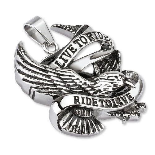 """Anheng med ørn og teksten """"Ride to live, live to ride"""" f Materiale: Kirurgisk stål. Bredde: 33 mm. Lengde: 41 mm. Tykkelse: 8mm. #smykke #anheng #herresmykke #ridetolive #livetoride"""
