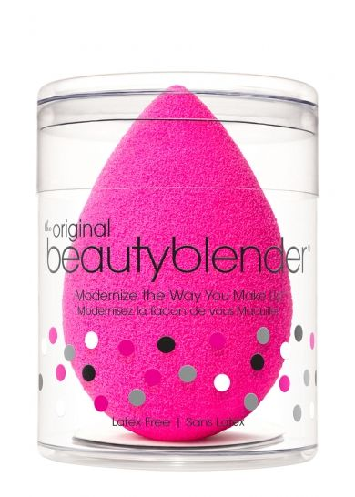 The Original Beauty Blender from beautyblender® gives you more precise, targeted application. The unique edgeless shape and exclusive material ensures impeccable, streak-free application with minimum product waste. Use the Original Beauty Blender with foundations, powders and any other complexion product. Insider tip: load product such as liquid foundation, onto the slender tip of the blender versus the round end, then lightly stipple the tip onto the skin.