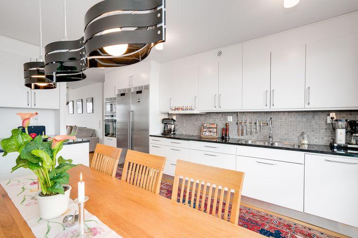 sååå snygga lampor i köket!!