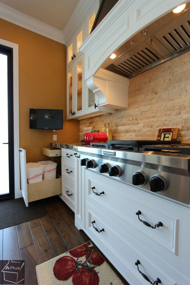Traditional Design Build kitchen #Remodel with APlus Custom #Cabinets