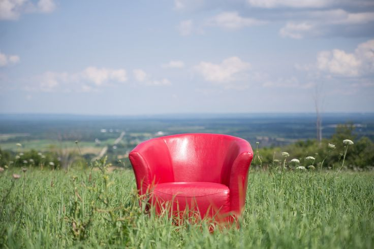 Red Chair on The Escarpement by Amber Harloff on 500px