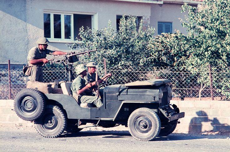 Girne'de Devriye Gezen Bir Silahlandırılmış Cipimiz