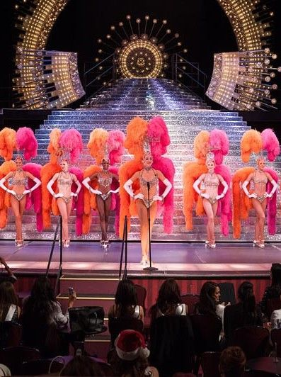 Las Vegas showgirls #jubilee - Learn all about My First Hacked Travel Trip (to Las Vegas) and how I saved $1,023.88 http://travelnerdnici.com/first-hacked-travel-trip-las-vegas/ - Explore the World with Travel Nerd Nici, one Country at a Time. http://TravelNerdNici.com