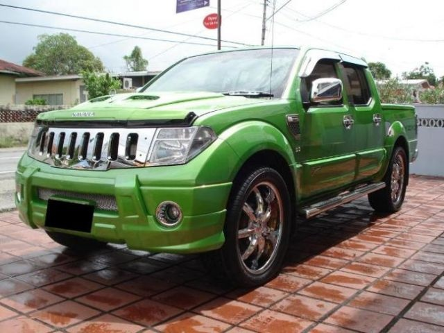 Pretty! Nissan Navara for sale in Trinidad