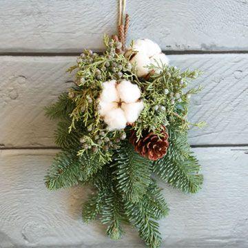 【11/22~12/1到着】モミの木のクリスマススワッグ(cotton) | 花・花束の通販、配送【花・フラワーギフトなら青山フラワーマーケット】