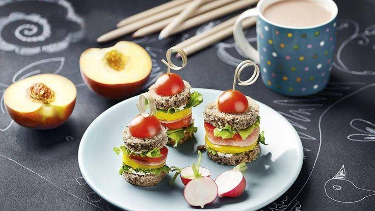 Szukasz przepisu na idealne śniadanie dla dziecka? Odwiedź Kuchnię Lidla i poznaj przepis na kolorowe warzywne koreczki!