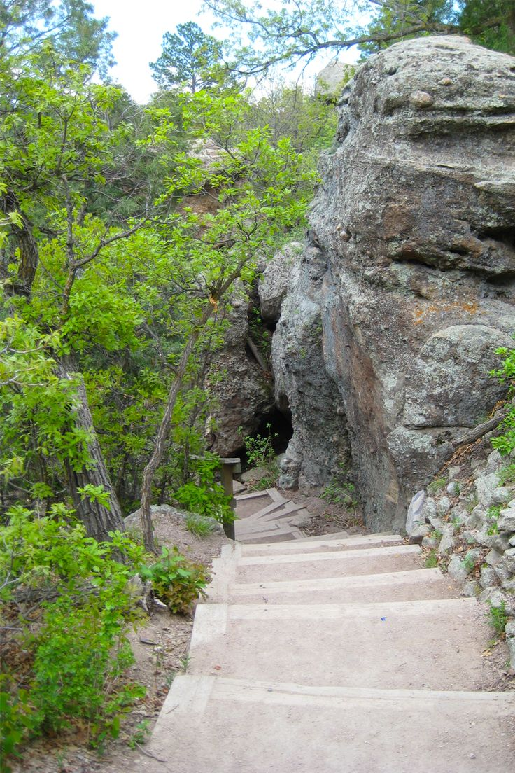 Colorado | Denver | Hiking | Castlewood Canyon | Cave Trail | Short Hikes | Nature | Outdoors
