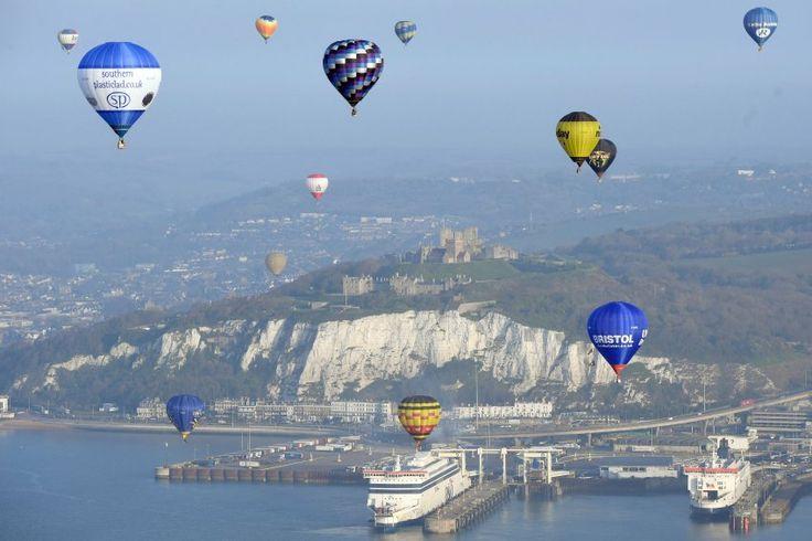 Heißluftballon-Weltrekord: Bunter Himmel über dem Ärmelkanal - SPIEGEL ONLINE - Reise