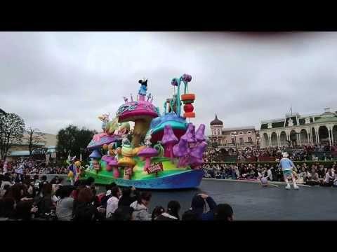 Pasen in Tokyo Disneyland - een kleurrijk spectakel met verborgen eieren