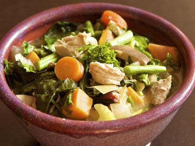 chicken soup, what to eat when sick, cure a cold