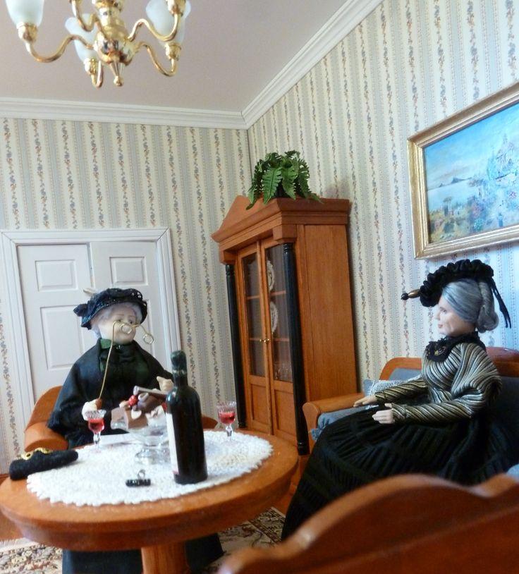 34 best Puppenhaus images on Pinterest Dollhouses, Miniature - chippendale wohnzimmer weis
