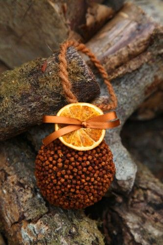 Orange Clove Pomander...Smells Wonderful
