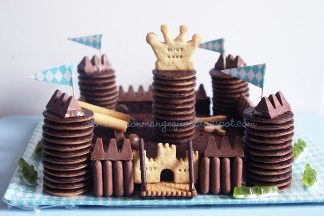 DIS MAMAN, ON MANGE QUOI ?: Un anniversaire de Super Chevalier Mousquetaire ou le parfait gâteau pour Super-Maman pas (tout à fait) parfaite...