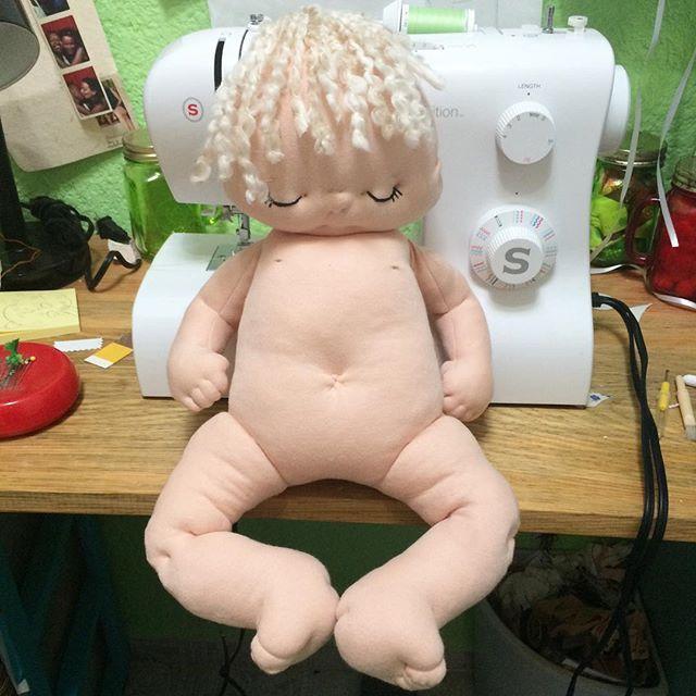 And she has a body! #handmade #dollmaking #makingadoll #handmadedoll #babydoll…