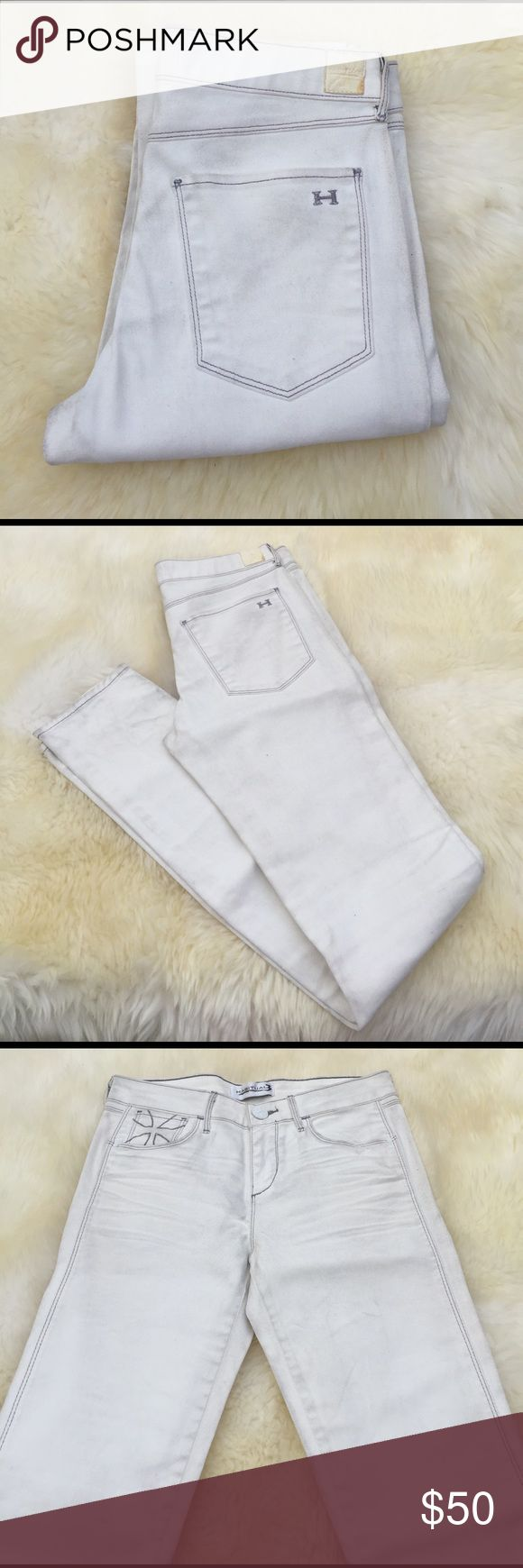 Habitual Eve High rise Skinny, Need cleaning from sitting in storage and moved around in stock, price compensates the condition. Authentic from Nordstrom 2016.chalk eve High Rise skinny . Habitual Jeans Skinny
