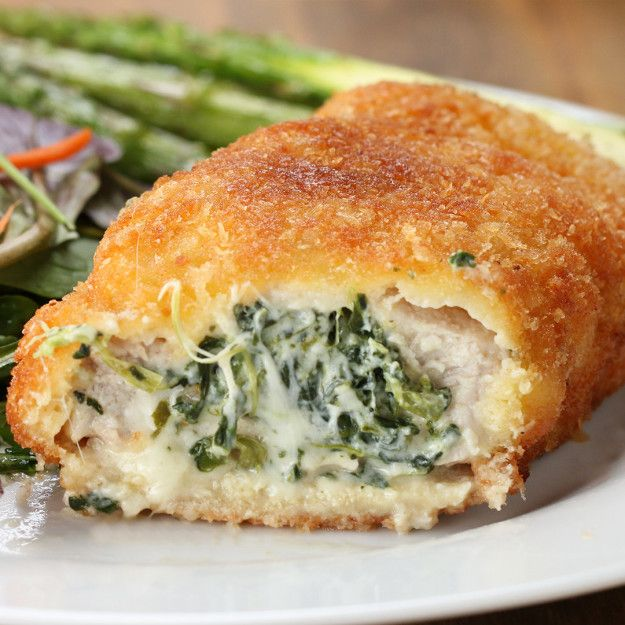Cheesy Spinach Stuffed Pork Chops | Embrace Your Inner Chef With These Spinach Stuffed Pork Chops