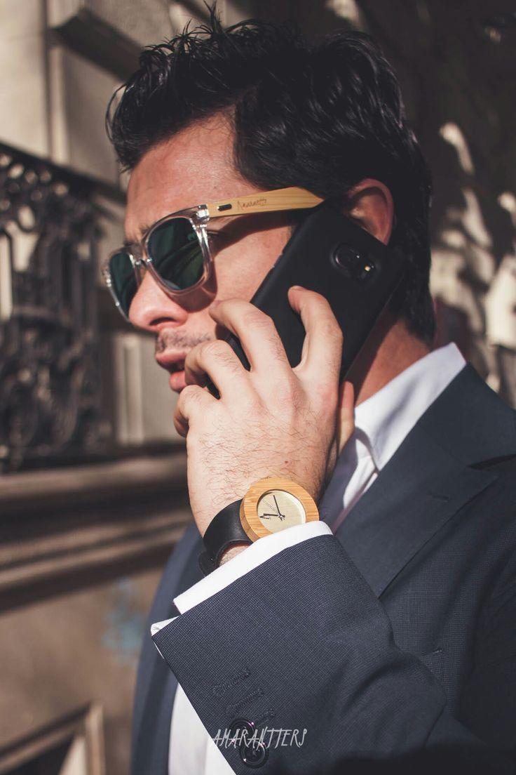 Amarantto - Time4Us: Modelo Vostok -  Reloj unisex, realizado a mano, con caja de madera de Bambú y mecanismo interior japonés, bisel y dial realizados en tono claro, manecillas y logotipo en aluminio metalizado, esfera de cristal mineral y correa ajustable de cuero.  #amarantto #reloj #watch #madera #wood #cuero #leather #estilo #style #diseño #design #moda #fashion #regalo #present #lifestyle #time4us   #vostok