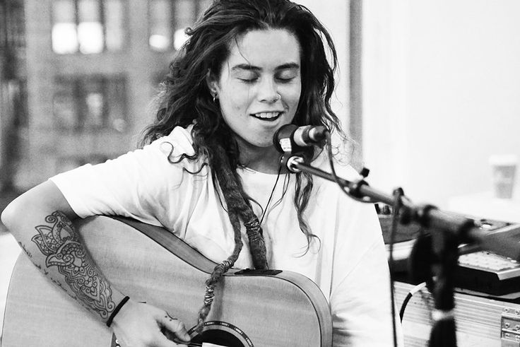 so... she's incredibly talented... and is there anyone who is interested in girls who DOESN'T find her realllly attractive?   Tash Sultana @ Mom and Pop Records