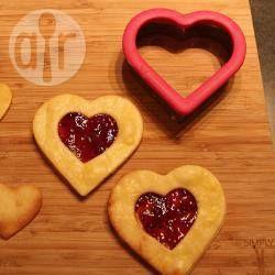 Biscoitos amanteigados com recheio de framboesa