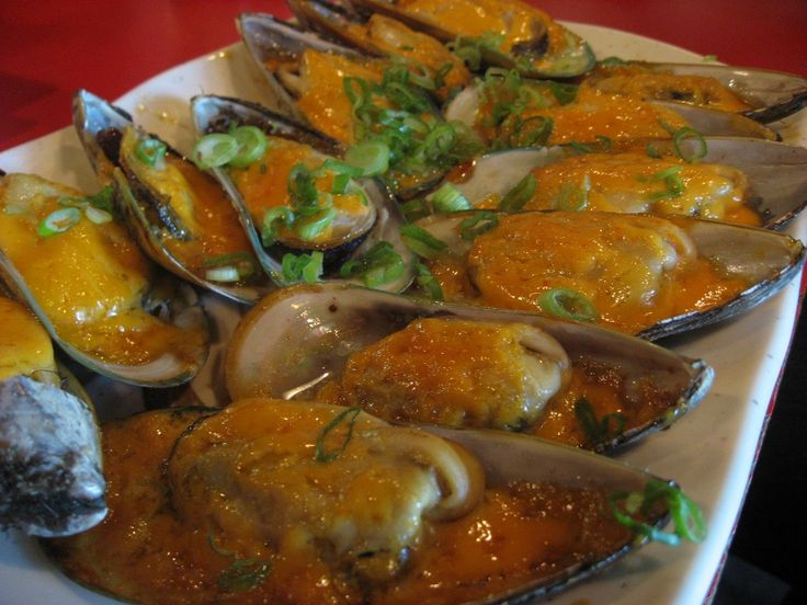 Baked spicy mussels
