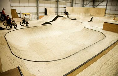 EKPark is a brand new 20,000 sq ft indoor skatepark, one of the biggest in the UK and has been designed by BMX rider Dave Sowerby. The Park features bowls, street section with banks and ledges, a mini bowl and will soon include a foam pit and larger bowl too. | A member of visitlanarkshire.com