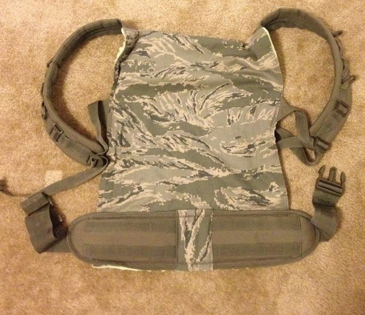 """Pitcher Family Adventures: DIY Baby/Toddler Carrier Detailed tutorial on how to make your own """"ergo"""" style baby/toddler carrier. Super easy, clear tutorial."""