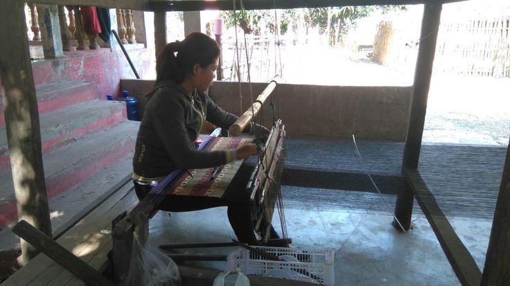 eaver at the textile village of Don Kho, southern Laos. Photo by Luigi Cavallo