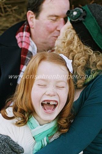 Fun family poseFamilies Pictures, Families Poses, Families Photography, Families Photos, Fun Families