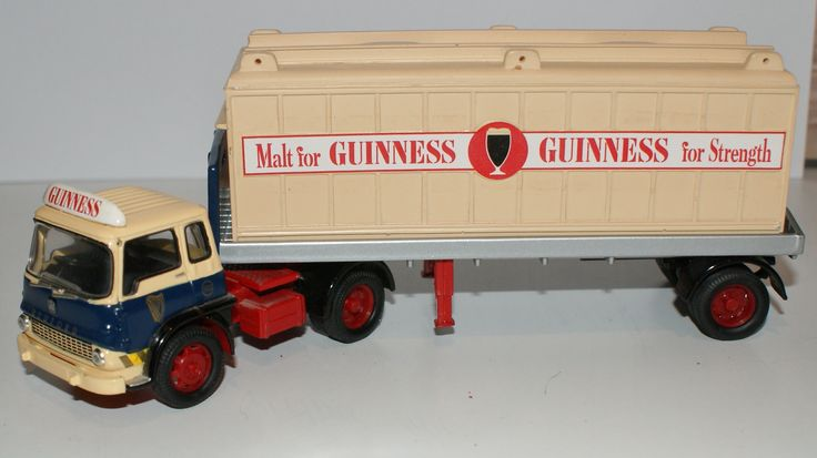 Corgi 22504 Bedford TK Platform Trailer And Container Guinness