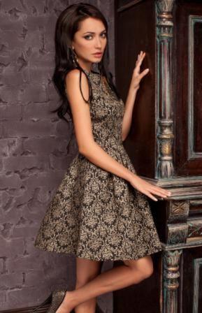 Нарядное женское платье на юбилей