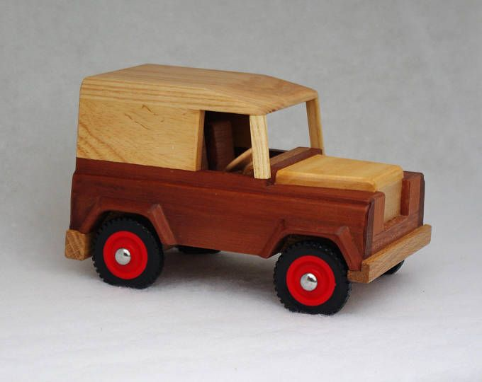 Personalised Wooden Toy Traditional Land Rover Style 4x4 Model Car Vehicle Registration Plate