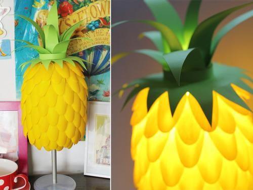 Recycleren: Oud plastic lepels worden een hippe ananaslamp http://blog.huisjetuintjeboompje.be/recycleren-oud-plastic-lepels-worden-hippe-ananaslamp/