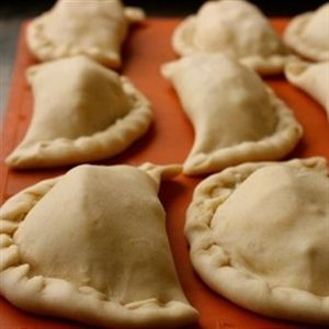 Hoe maak je Empanada deeg?