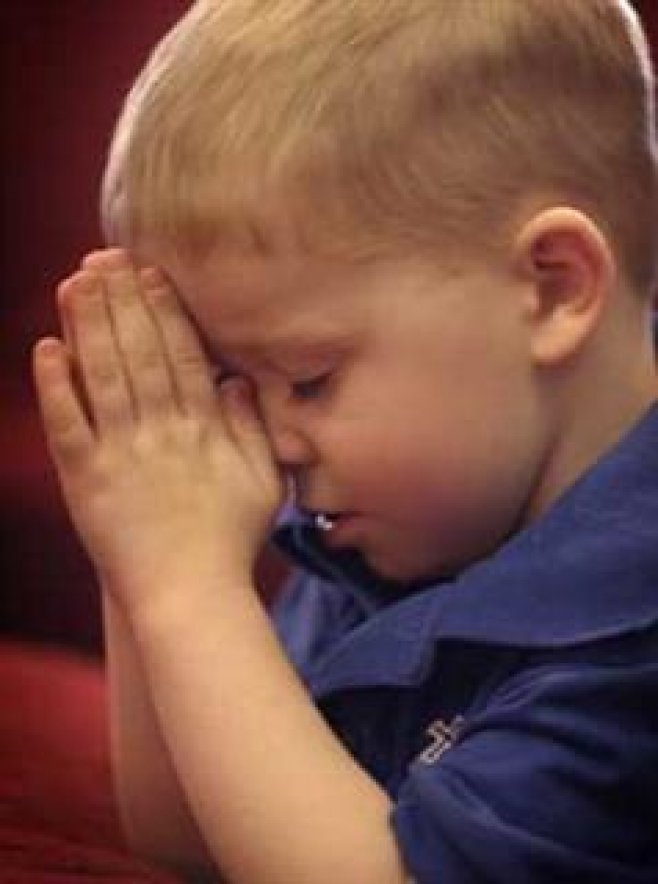 I love to see children praying to GOD!