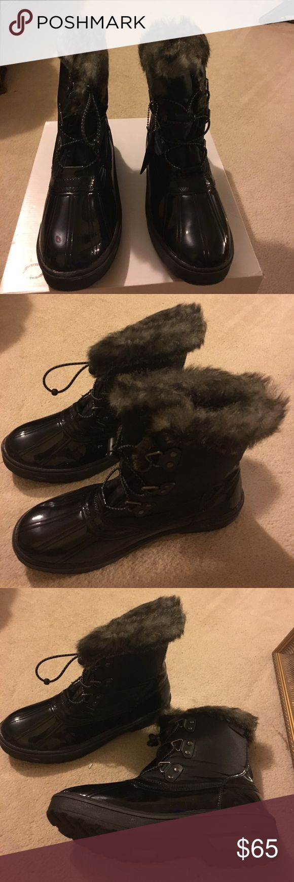 Women's Blk patent leather Winter snow boots Very comfortable snow boots. NEVER WORN Aldo Shoes Winter & Rain Boots
