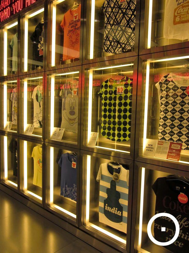 die besten 25 tshirt display ideas retail ideen auf pinterest kinder shop display gebrauchte. Black Bedroom Furniture Sets. Home Design Ideas