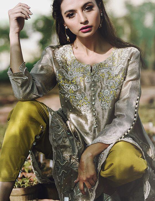 PAKISTANI TRENDS - beautiful lahoree outdif