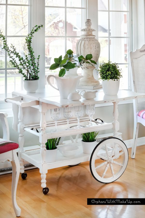 diy-painted-tea-cart whether in white or some other, more elaborate, finish, this is an interesting idea for reinventing an old tea cart... as a bar cart or just a lovely place for flowers, succulents and herbs.