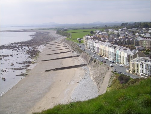 Beach view from Castle Criccieth - Wales  http://www.redgage.com/c-rdahcd