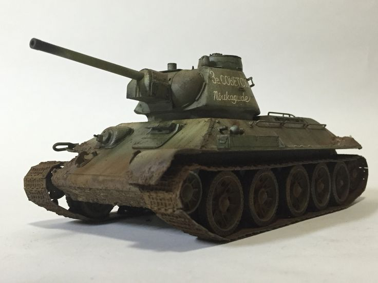 T-34/76 mod.1943 w/Commander cupola 1/35 Dragon model Made by Lee Juho