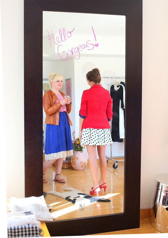 How to host a clothing swap party (@Jenni Juntunen Juntunen Arant ) this would be a fun party idea.