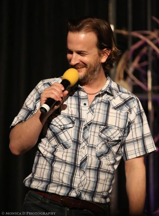 Richard Speight Jr kick off the annual Creation Entertainment Supernatural convention in Las Vegas, March 2015 source: http://mfluder42.tumblr.com
