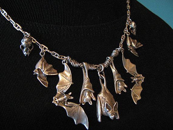 Magnificent 7 Bat Necklace with Skulls in by diggersgoldjewelry