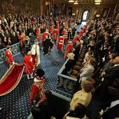 En el siglo once, el rey Enrique III de Bavaria se cansó de sus responsabilidades como rey, de las presiones de la política internacional y de lo mundanal de la vida de la corte.
