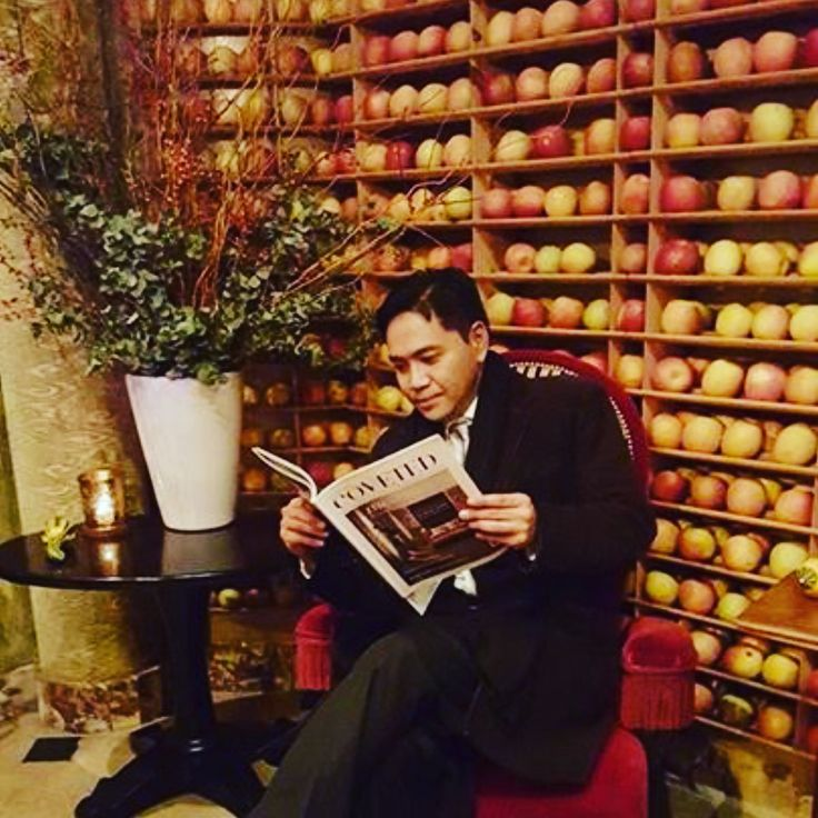 wall of fresh apples displayed at bouley restaurant in soho nyc